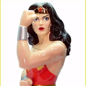 Wonder Woman Ceramic Cookie Jar limited edition